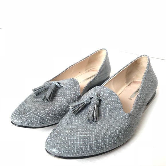 a6431eed96b Zara Gray Snakeskin Loafers with Tassels